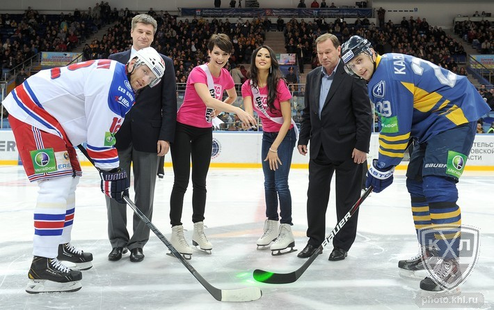 KHL: Miss Universe In Mytishchi - Beauty Conquers All