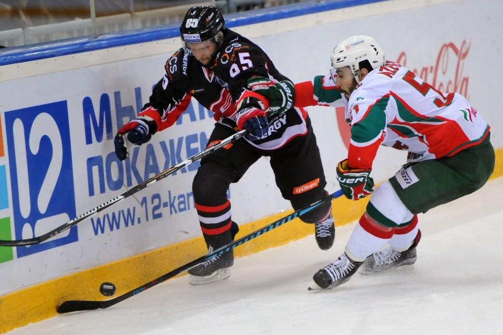 KHL: Burdasov Keeps Avangard's Hopes Alive. Playoff, March 17, 2017