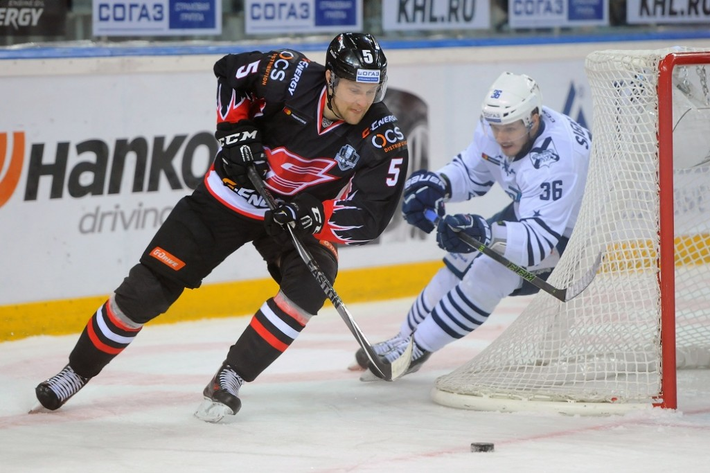 KHL: Avangard, Ak Bars, Magnitka Take 2-0 Leads, Traktor Ties Its Series