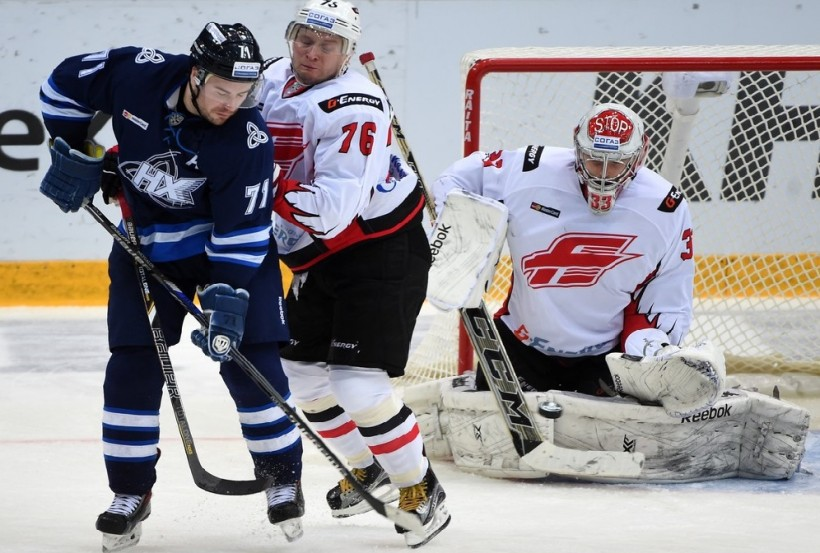 KHL: Avangard Marches On