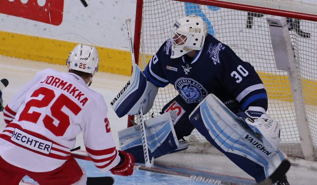 KHL: Dinamo Edges The Verdict In Playoff Crunch Clash. November 22, 2016 Round-up