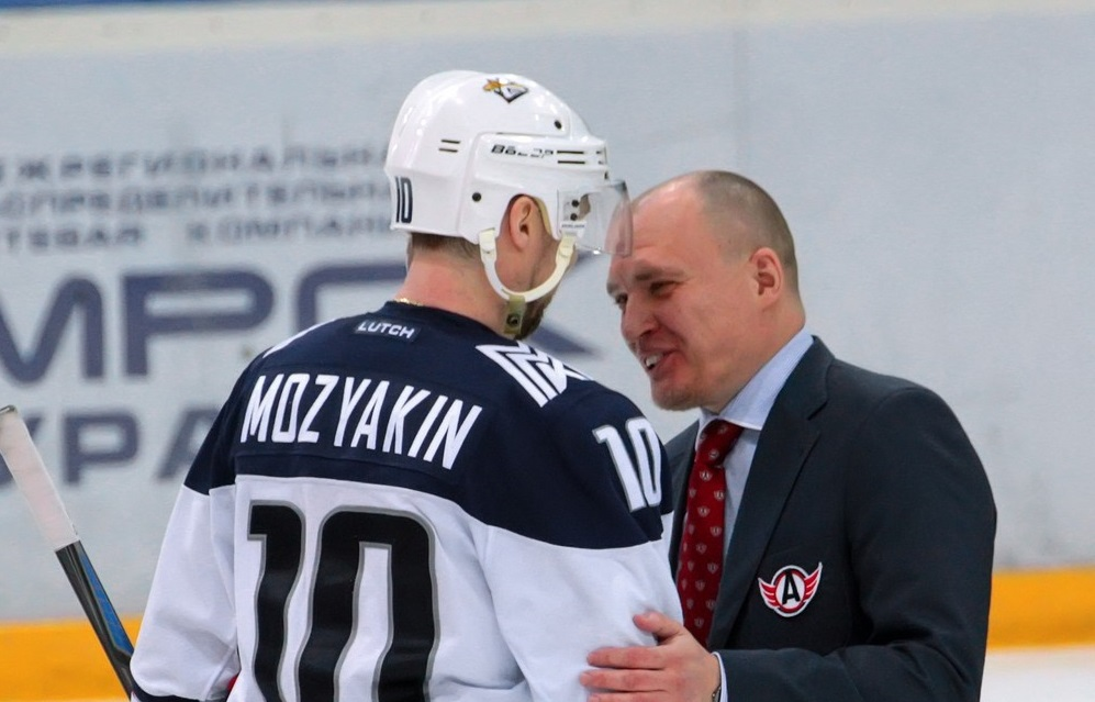 KHL: Magnitka Marches On