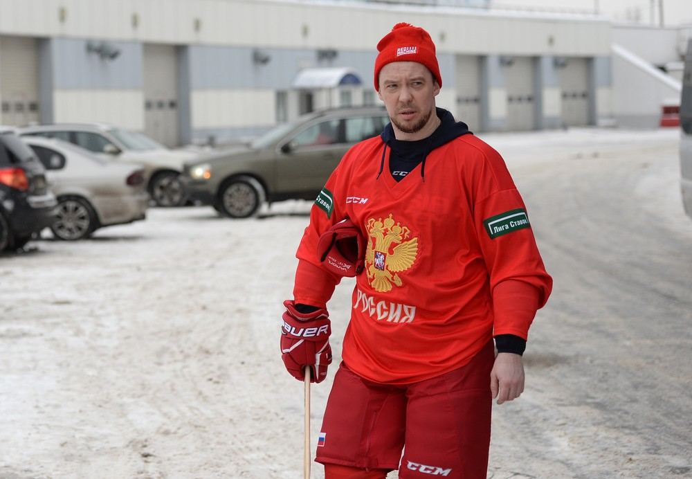Hockey At The Olympics, Hockey In The Streets. Russian League Week In Review